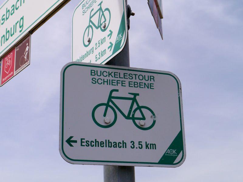 Folge dem grünen Fahrrad: Markierung der Radtour Schiefene Ebene