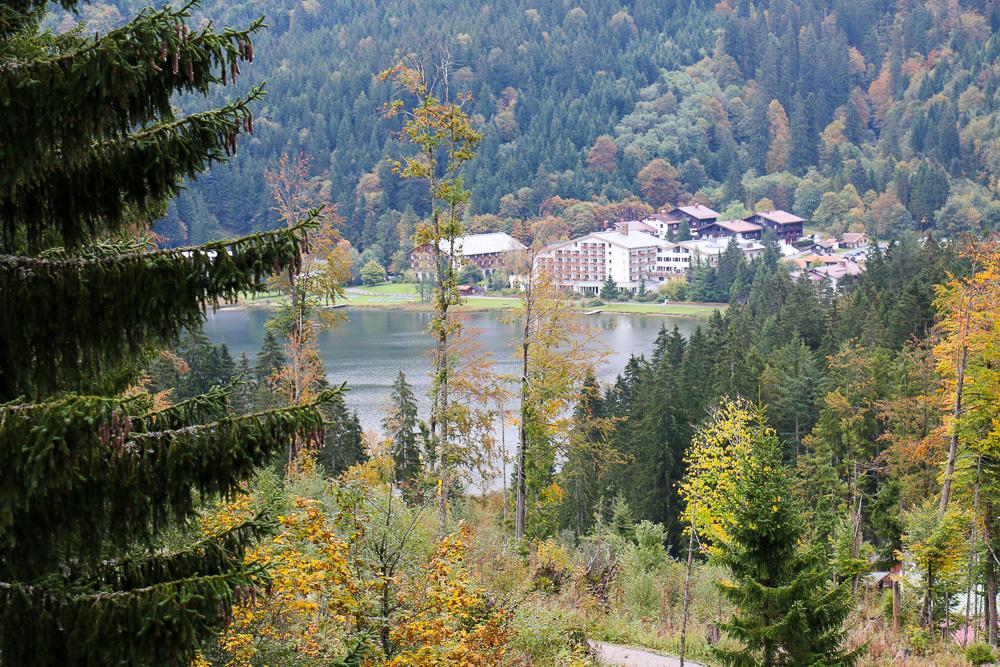 Haus am See: Das Arabella Alpenhotel mit direktem Zugang zum Wasser
