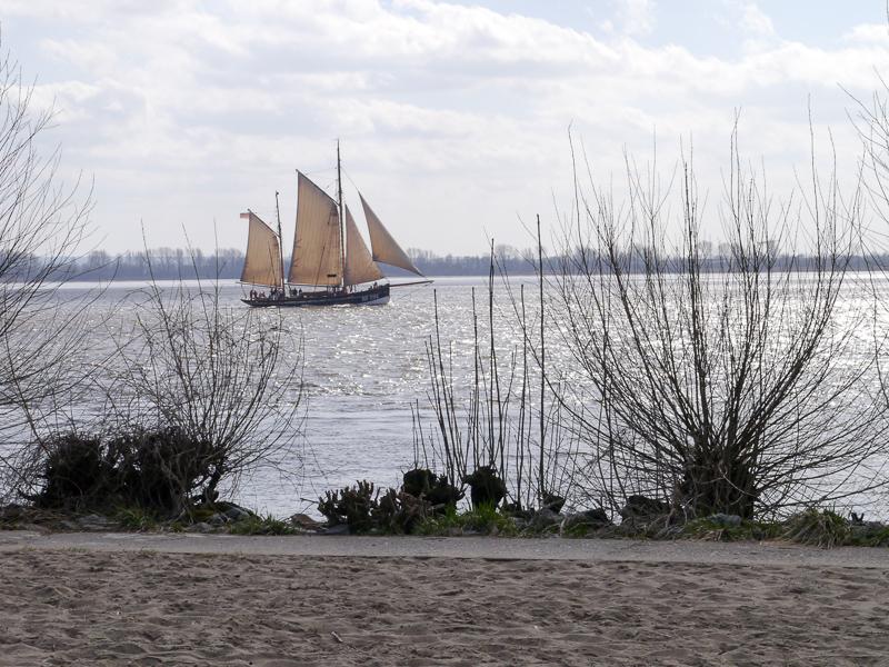 Wochenende in Hamburg: Spaziergang an der Elbe