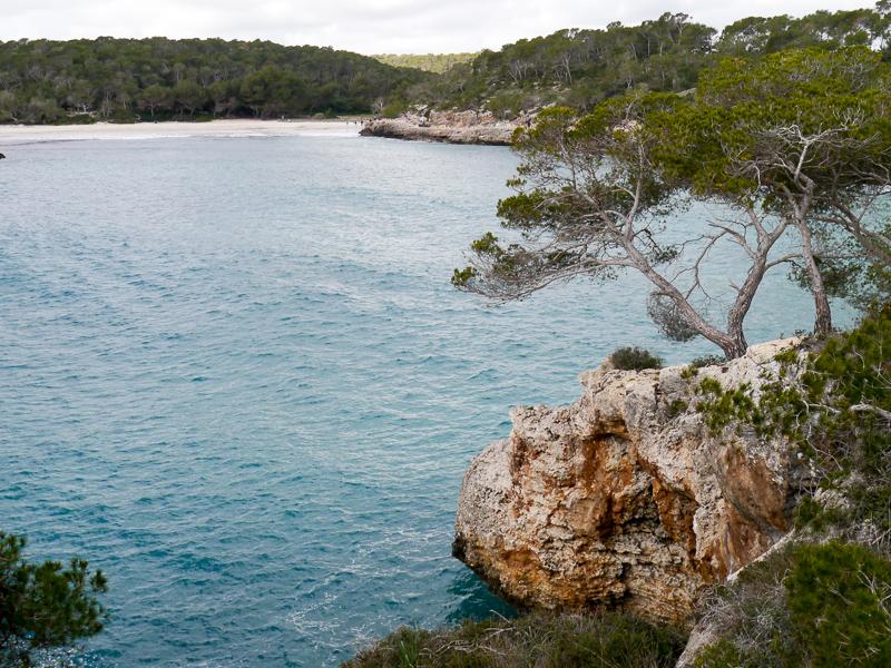 Blick auf den S'Amarador Strand