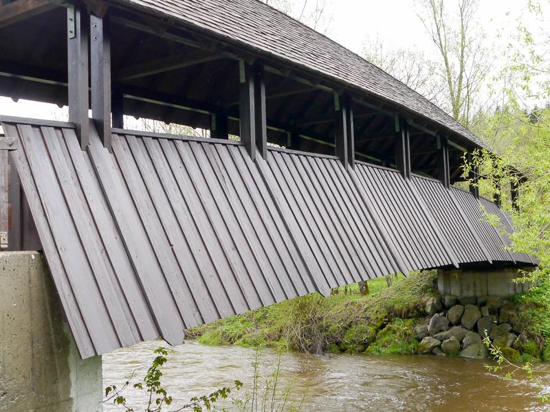 nachgebaute Brücke im alten Stil