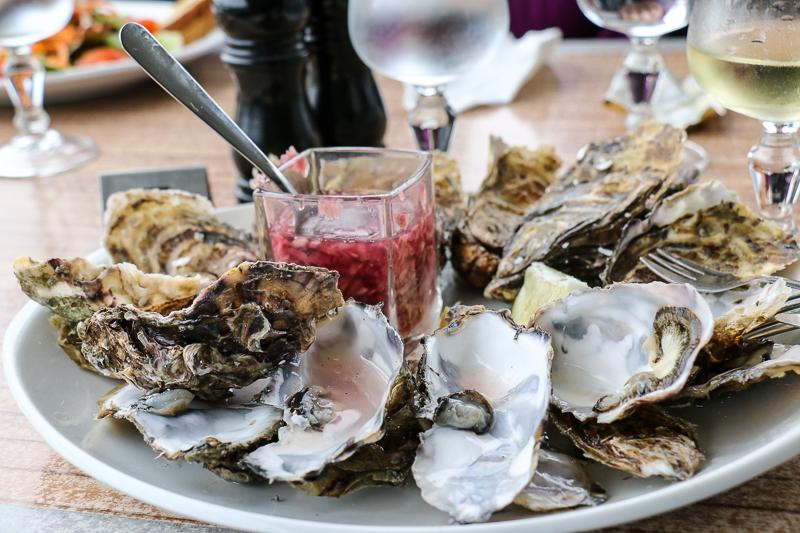Bretonische Spezialitäten Austern