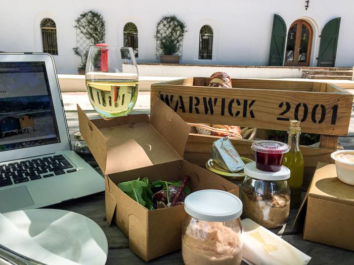 Arbeiten und essen unter freiem Himmel