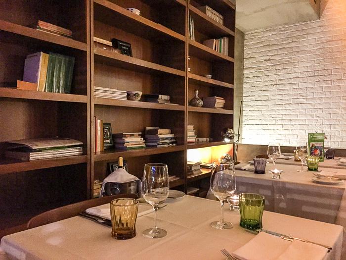 Book Restaurant