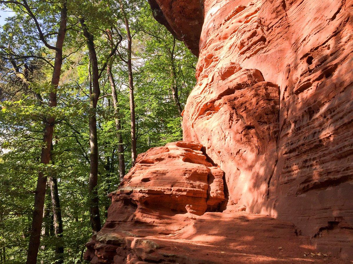 Highlight des Altschlosspfades in der Südwest-Pfalz: der Fels aus Buntsandstein