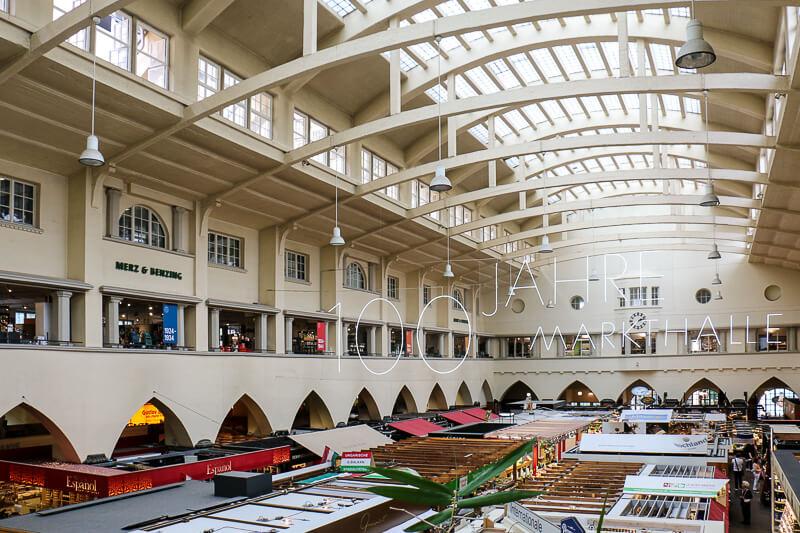 Luftig: Durch das Tageslicht fühlt man sich in der Stuttgarter Markthalle wie im Freien.
