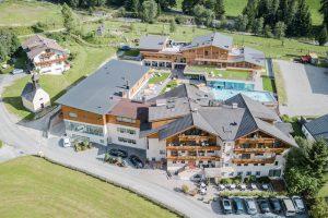 Hotel Stoll im Gsieser Tal: Naturliebhaber, Gourmets, Aktive und Wellnessfans kommen hier gleichermaßen auf ihre Kosten.