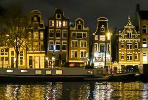 Die tanzenden Häuser in Amsterdam