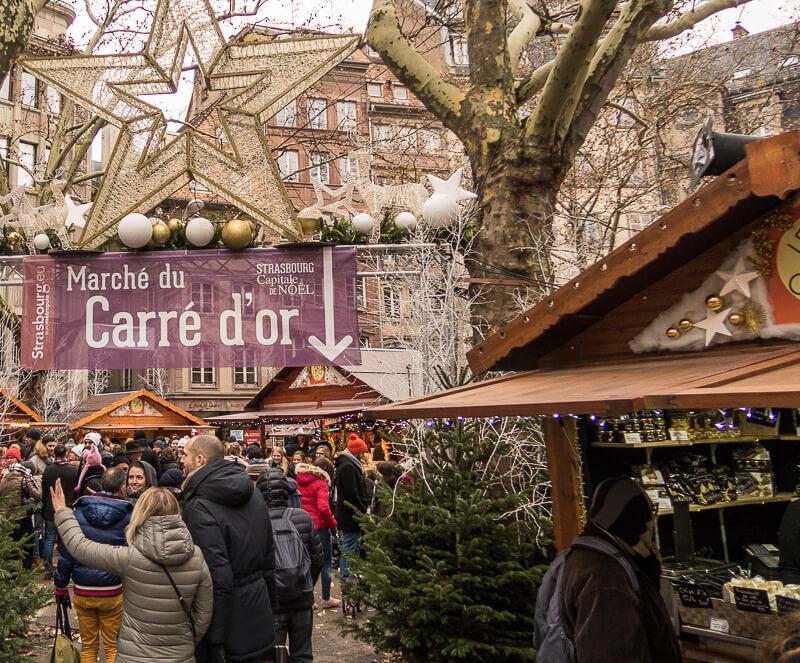 Weihnachtsmarkt im Carré d'orin Strasbourg