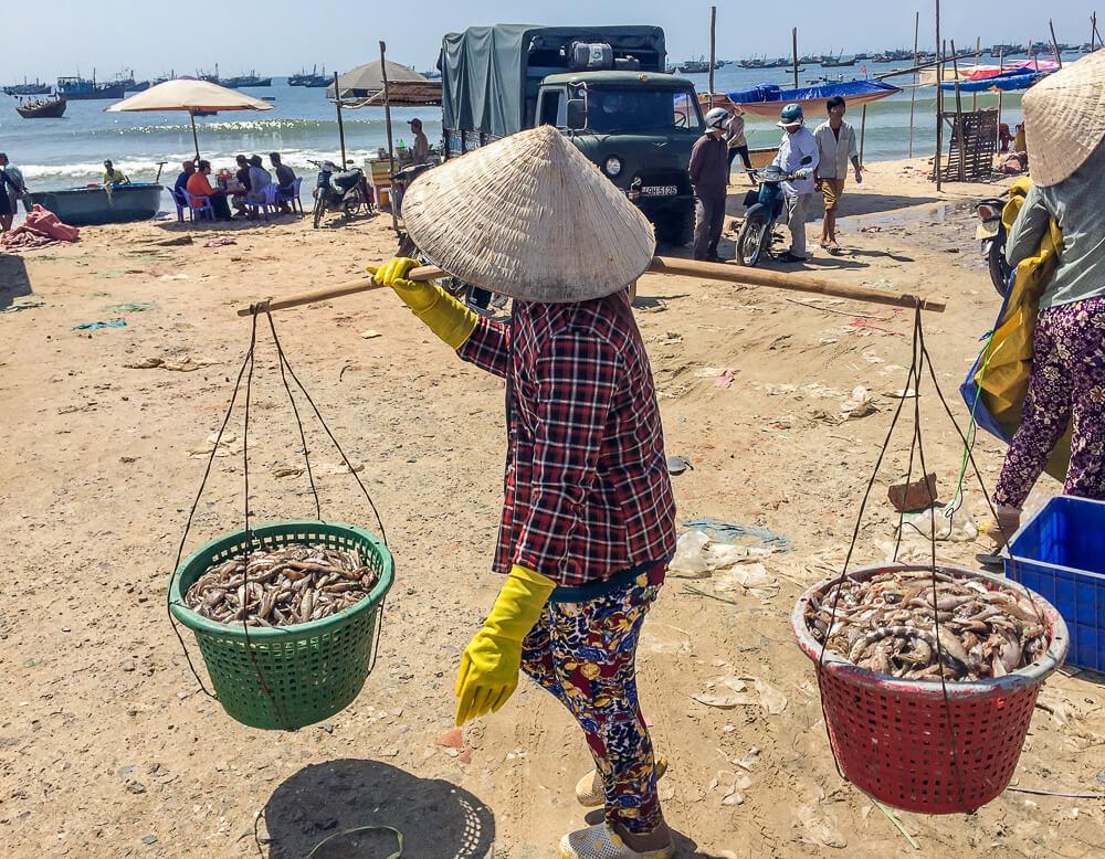 Am Hafen von Mui Ne #muine #vietnam #fernreise #delicious_travel