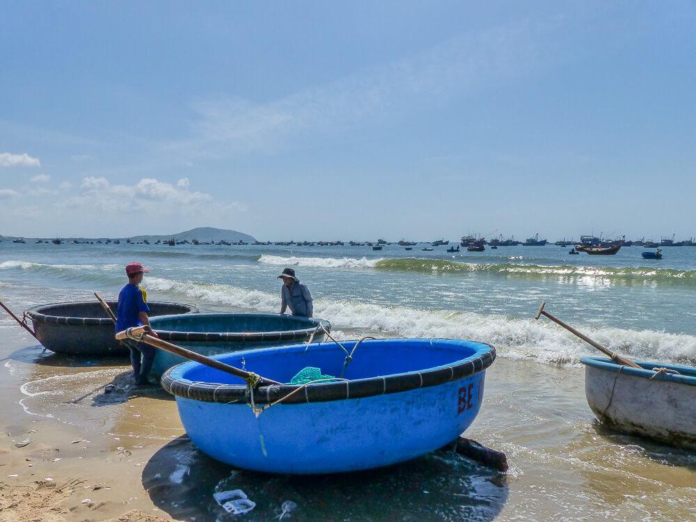 Fischerboote in Mui Ne #muine #vietnam #fernreise #delicious_travel