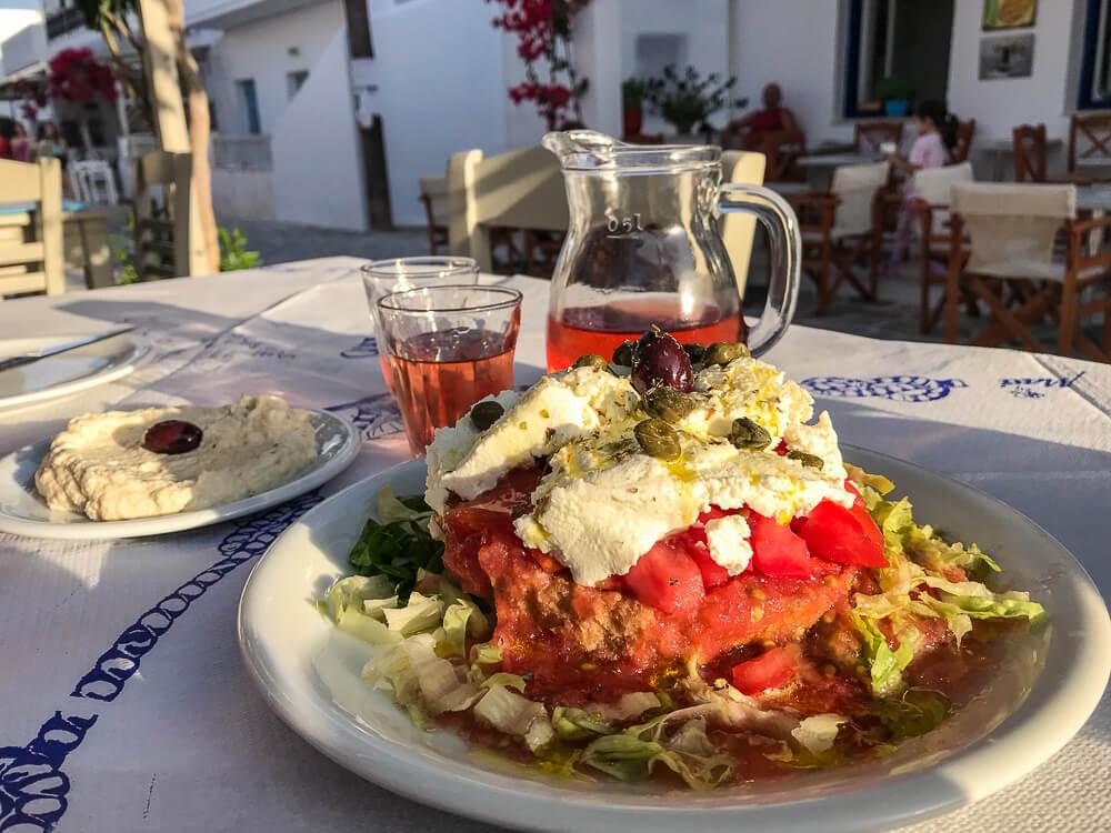 Die griechische Version der Bruschetta: Ntakos bei Taverna Yorgis, Antiparos