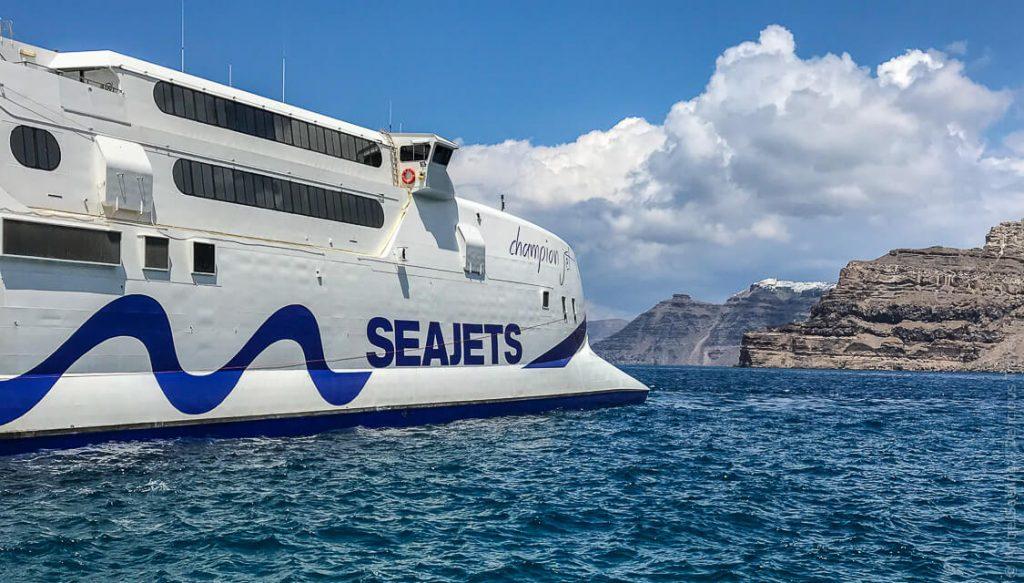 Inselhüpfen auf den Kykladen: Santorin, Milos und Paros
