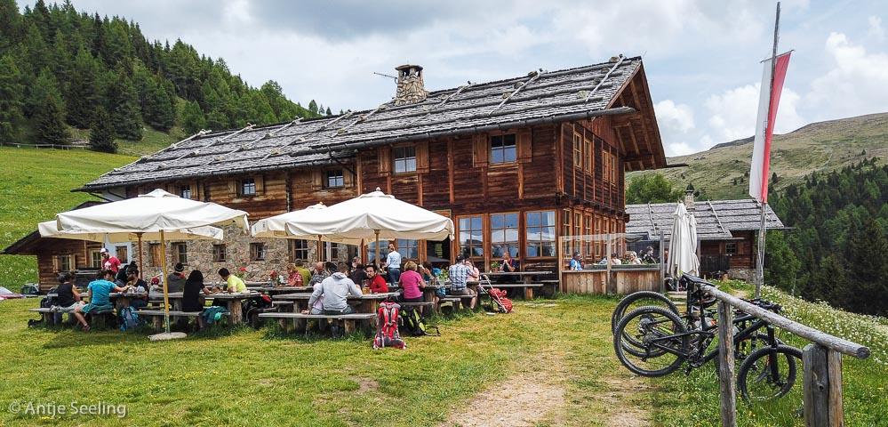 Kreuzwiesenhütte, Lüsneralm