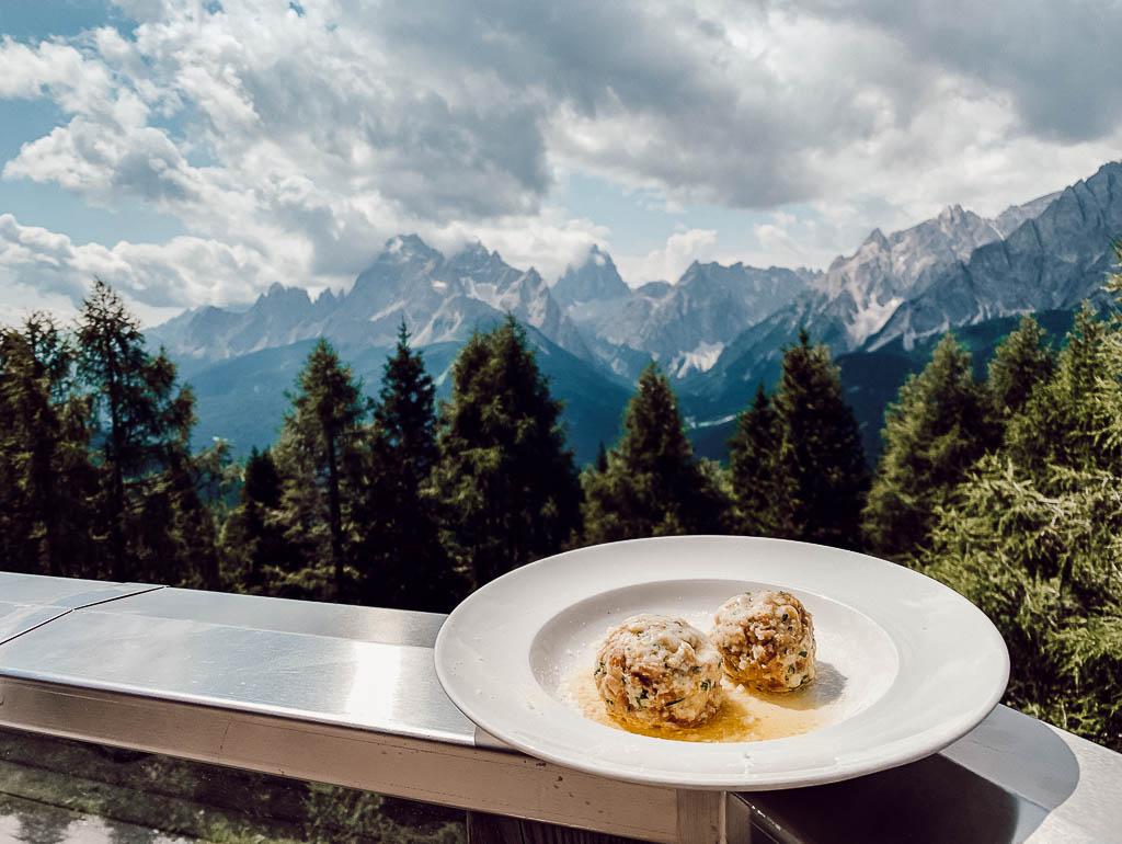 Hüttenrezept: Südtiroler Käse- und Speckknödel