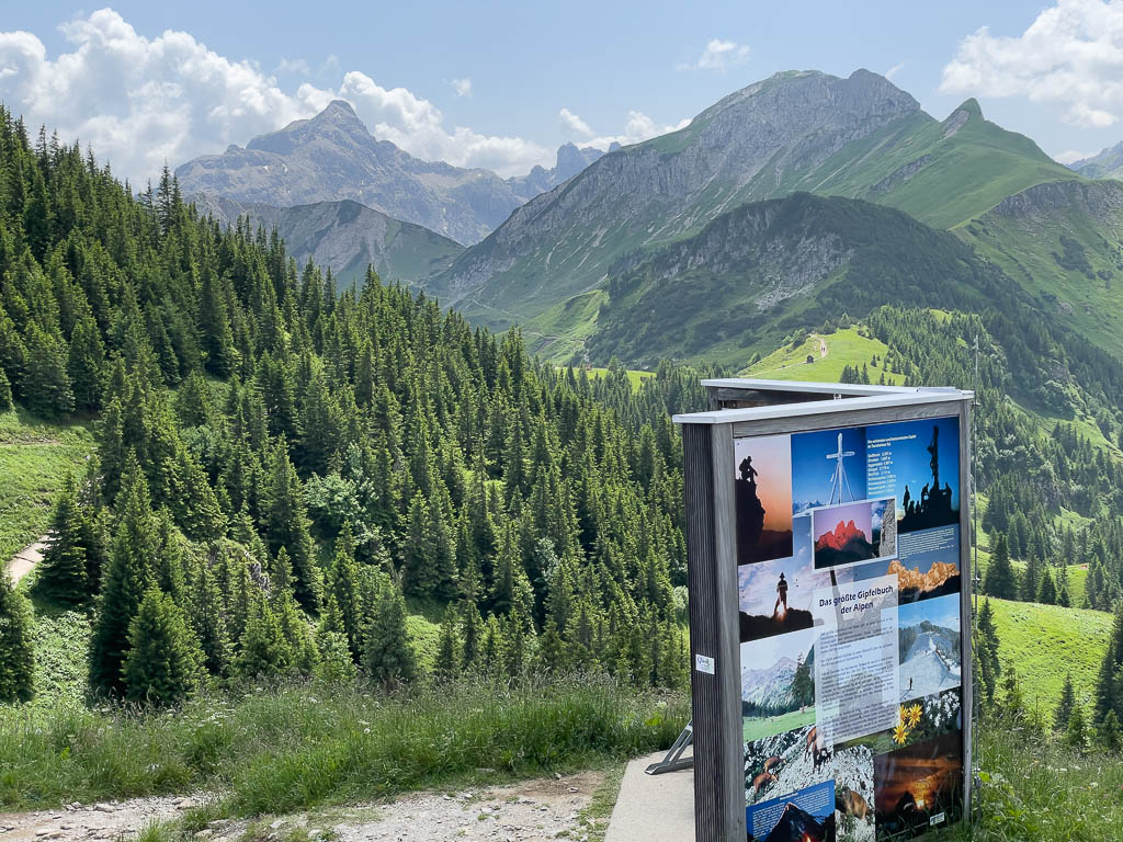 Das größte Gipfelbuch der Alpen auf dem Neunerköpfle